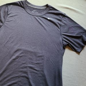 NIKE DRI-FIT Gray short sleeve tee